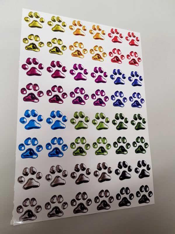 j cut aufkleber gallerie farbige hunde katzen pfoten 1 600x800 - Aufkleber